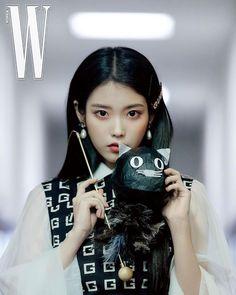 K Pop, Korean Beauty, Asian Beauty, Warner Music, W Korea, Chica Cool, New Actors, Korean Singer, Girl Crushes