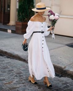 17 Fashion Trends That Are Going to Be Huge This Summer purewow fashion style shopping shoppable summer outfit ideas trends 206884176616939854 Summer Fashion Trends, Summer Trends, Fashion Week, Look Fashion, Spring Summer Fashion, Fashion Outfits, Fashion Tips, Womens Fashion, Fashion Ideas