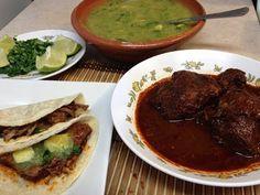 Birria de Res o Barbacoa Estilo Guerrero. - YouTube Mexican Meat, Mexican Food Recipes, Ethnic Recipes, Beef, Dishes, Youtube, Barbeque Side Dishes, Ethnic Food, Pastries