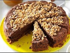 Need cheesecake recipes? Get great tasting desserts and cheesecake recipes. Taste of Home has lots of delicious cheesecake recipes including chocolate cheesecakes, lemon cheesecakes, strawberry cheesecakes, and more cheesecake recipes and ideas. Decadent Chocolate, Chocolate Desserts, Chocolate Chocolate, Toffee, Cheesecake Recipes, Dessert Recipes, Potluck Desserts, Cheesecake Cake, Dessert Ideas