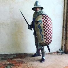 Very beautiful common soldier armor and shield ( color of pistoia italy ?) Kettle helmet 14th century