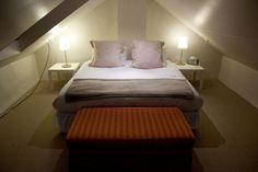 Een knusse slaapkamer op zolder maakt slapen extra gezellig! Vind meer ideeën & tips omtrent een zolder slaapkamer in het volgend artikel: http://www.interieurdesigner.be/interieurtips/detail/slaapkamer-op-zolder