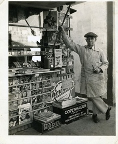 """Charles """"Dad"""" Bailey first newsstand in Los Angeles (Photo source: skyscraperpage.com)"""