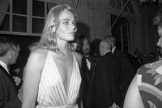 Margaux Hemingway1955–1996A film actress and model who had epilepsy from the age of 7. Her death was attributed to suicide by an intentional overdose of phenobarbital, which is an anticonvulsant.