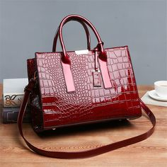 3b75f62a47bce4 Classic female Bag Contracted Joker Alligator Handbag Patent Leather Shiny  Large Capacity Commuter Bag For Women