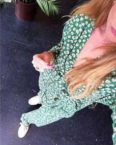 "104 gilla-markeringar, 1 kommentarer - MARIA BANHOLDT ANDERSEN (@mariabanholdt) på Instagram: ""// Calling Spring ‼️ #ganni #gannigirls #spring #summer #verdantgreen #daltoncrepe #sunshine…"""