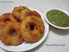 Chicken vada recipe in hindi Eggless Recipes, Bread Recipes, Yummy Recipes, Snack Recipes, Cooking Recipes, Yummy Food, Recipies, Tasty, Healthy Indian Recipes