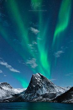 ~~The green Volcano | Aurora Borealis, Senja, Norway | by Stefan Hefele~~