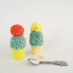 crochet pattern egg warmer bouclé yarn - roest haakt