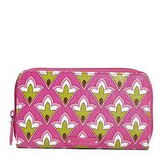 Vera Bradley Accordion Wallet in Petite Pink - http://bags.bloggor.org/vera-bradley-accordion-wallet-in-petite-pink/