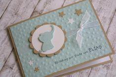 Zauberhafte Einladungskarte zur Taufe Die Einladungskarten werden aufwändig per Hand geprägt, verziert und individuell bedruckt. Es können beliebig viele Einladungskarten bestellt werden,...