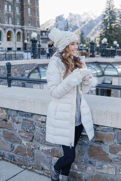 Winter Trip To Canada - Banff, Lake Louise, Emerald Lake Winter Travel Outfit, Winter Fashion Outfits, Winter Outfits, Winter Clothes, Parka Outfit, Canadian Winter, Outfit Invierno, Snow Outfit, Winter Parka