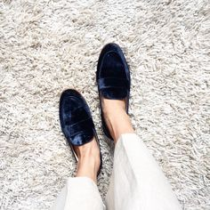 Blue velvet loafers from Zara