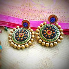 These Trendy And Stunning Terracotta Jhumkas Are For The Quirky Bride-To-Be. For more such wedding jewellery inspirations, stay tuned with shaadiwish. Terracotta Earrings, Terracotta Jewellery, Unique Earrings, Unique Jewelry, Wedding Jewellery Inspiration, Jhumka Designs, Pretty Images, Brides And Bridesmaids, Wedding Looks
