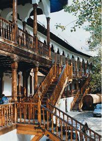 Manuc Inn, sec XIX, a beautiful place to visit in Bucharest, www.romaniasfriends.com