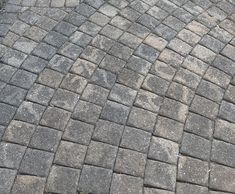 How to Remove Mildew and Mold from Paver Patio and Concrete Surfaces Deep Cleaning Tips, House Cleaning Tips, Cleaning Hacks, Cleaning Recipes, Spring Cleaning, Brick Paver Patio, Concrete Pavers, Cleaning Pavers, How To Clean Stone