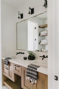 BECKI OWENS—Mixing Metals with Brizo in the Bathrooms of Villa Bonita