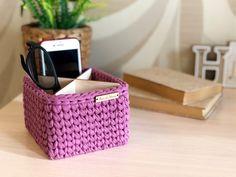 Diy Crochet Basket, Crochet Basket Pattern, Eyeglass Holder Stand, Square Baskets, Large Storage Baskets, Christmas Baskets, Crochet Decoration, Glass Holders, Bracelet Tutorial