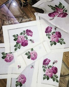 Vintage Roses, Cross Stitch, Unique, Cross Stitch Alphabet, Embroidered Towels, Needlepoint, Table Toppers, Manualidades, Christening