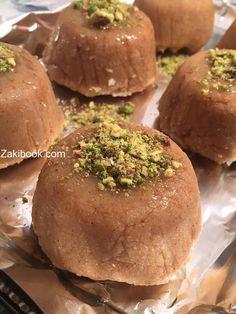 البسبوسة التركية طعم لايقاوم Arabic Dessert, Arabic Sweets, Arabic Food, Crepe Recipes, Dessert Recipes, Lebanese Desserts, Ramadan Recipes, Sweet Sauce, Home Baking