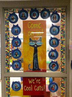 ideas for door decorations classroom reading pete the cats - New Deko Sites Back To School Bulletin Boards, Preschool Bulletin Boards, School Themes, Classroom Themes, Classroom Crafts, Pete The Cat Art, Teacher Doors, Cat Activity, School Doors