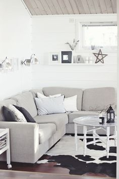 New coffee table in livingroom - I love Tinekhome