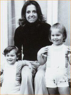 Prinses Máxima op 3-jarige leeftijd met haar broertje en moeder