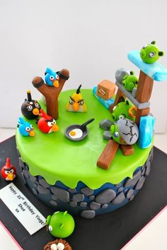 love the rocks on the side of this Angry birds cake