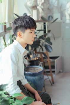 Korean Hairstyle Men: Korean Haircuts are normally remarkable. Asian Korean Hairstyles, Korean Men Hairstyle, Asian Haircut, Haircut Short, Korean Haircut Men, Haircut Styles, Trendy Mens Haircuts, Girl Haircuts, Hairstyles Haircuts
