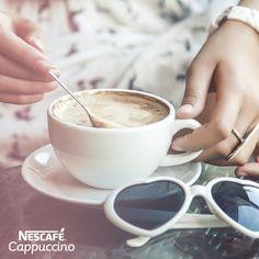 Un momento especial en compañía de un delicioso NESCAFÉ® Cappuccino. #LoMioEsNescafe