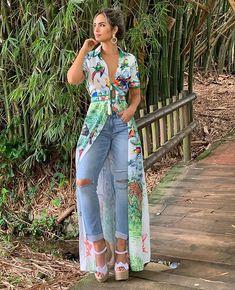 J Lo Fashion, Abaya Fashion, Couture Fashion, Fashion Dresses, Simple Dresses, Cute Dresses, Ripped Jeans Style, Look Legging, Kurta Designs