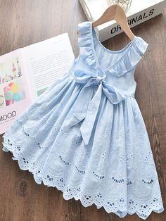 Kids Frocks Design, Baby Frocks Designs, Frocks For Girls, Little Girl Dresses, Toddler Girl Dresses, Dresses For Toddlers, Girls Dresses, Vintage Baby Dresses, Baby Girl Frocks