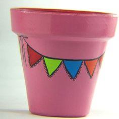 Risultati immagini per manjula macetas Painted Clay Pots, Painted Flower Pots, Painted Jars, Painted Rocks, Flower Pot Art, Flower Pot Crafts, General Crafts, Terracotta Pots, Bottle Art