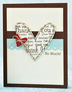 CORAZÓN COSIDO: Usa papel scrap, papel de periódico u otro papel estampado, para hacer esta tarjeta de corazón. El borde está cosido a máquina y decorado con otro mini corazón de cartulina.