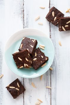 gluten free triple almond brOwnies