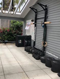 50 ideas home gym outdoor workout rooms for 2019 Crossfit Garage Gym, Home Gym Garage, Diy Home Gym, Gym Room At Home, Home Gym Decor, Basement Gym, Best Home Gym, Outdoor Gym, Outdoor Workouts