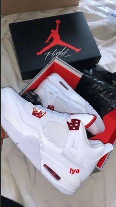 Dr Shoes, Cute Nike Shoes, Swag Shoes, Cute Sneakers, Nike Air Shoes, Hype Shoes, Me Too Shoes, Shoes Sneakers, Nike Socks