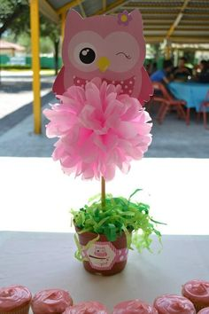 Kimi In The Kitchen: Baby Shower De Zhandy Parte I . Owl Centerpieces, Graduation Party Centerpieces, Shower Centerpieces, Birthday Decorations, Graduation Parties, Baby Shower Table, Shower Party, Baby Shower Themes, Owl Parties