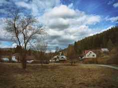 A place stopped in time to a certain degree. We were accommodated in a nearby cottage for two nights and it was a very interesting experience.  ___ #kysuce #zakopcie #slovakia #slovensko #europe #sky #clouds #house #nature #tourism #travel #grass #tree #green #blue #daylight #forest #village
