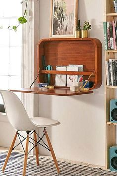 48 Fantastic Small Bedroom Desk Designs For Small Bedroom Ideas You need an awesome small desk design for your small bedroom. This article will help you to find the best small desk design for you. Very Small Bedroom, Small Space Bedroom, Small Bedroom Designs, New Bedroom Design, Design Room, Small Furniture, Furniture Design, Furniture Ideas, Design Desk