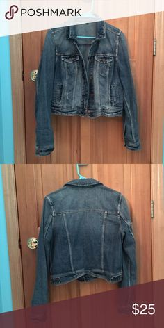 """AEO distressed crop denim jacket Just like new! All distressed bits were there when purchased. Awesome jacket, goes with everything. Perfect for layering year round! Will go great with spring and summer dresses. It's crop style. I'm a medium (5'6"""") and it hits just a tiny bit above my hips. I know you'll love this jacket as much as I have! Treat yo self! American Eagle Outfitters Jackets & Coats Jean Jackets"""