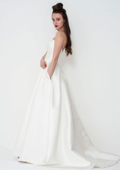 Exude bridal chic in this amazing Nina wedding gown by Freda Bennet. Add wedding accessories like a statement veil or bridal belt to make it totally unique! Oh and did I mention she has pockets? Flattering Wedding Dress, Wedding Dress Shapes, Simple Wedding Gowns, English Wedding Dresses, Princess Wedding Dresses, Designer Wedding Dresses, Gown Style Dress, Dress Styles, Modern Princess