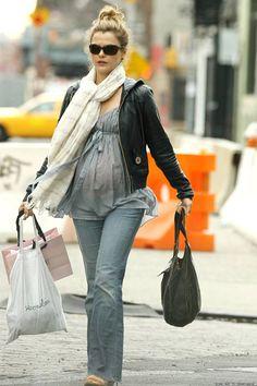 Pregnant Keri Russell (1066×1599)