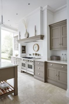Sherwin williams kitchen colors warm kitchen colors impressive grey and white kitchen warm kitchen colors Kitchen Interior, Home Decor Kitchen, Shaker Style Kitchens, Gray And White Kitchen, Home, Open Plan Kitchen Living Room, Kitchen Style, Romantic Kitchen, Kitchen Design