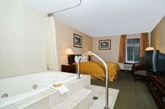 Hot tub rooms are available at Best Western Manassas