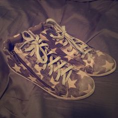 Matisse Star covered Sneakers - Size 6 Never worn Matisse Coconuts star covered sneakers. Grey-ish tan color. Super cute, just a little small on me. Perfect for the 4th of July!!! Matisse Shoes Sneakers
