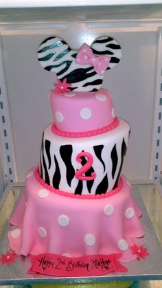whimsey minnie by Sugar Dreams Cakes and Things, via Flickr