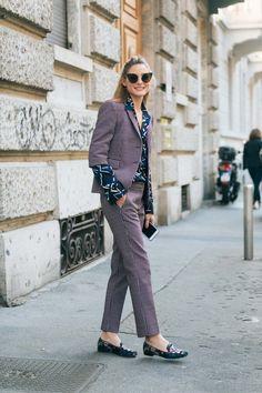 Printemps-été: 30 tendances portées dans la rue qui nous inspirent - Le tailleur pantalon remis au goût du jour. © Getty