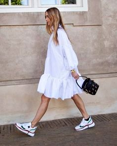 All White Outfits Aesthetic Summer Style: Smock Dress and White Trainers with Chloe Bag Wearing head-to-toe white is the easiest summer styling trick of all time. See how our favourite fashion people are trying this look for summer 2019 here. All White Outfit, White Outfits, Casual Outfits, Mode Outfits, Fashion Outfits, Fashion Tips, Fashion Week, Look Fashion, Easy Style