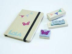 Crea y personaliza tus propios sellos. Manualidades para decorar. Visítanos también en: CharHadas TV - http://videos.charhadas.com/ G+ - https://plus.google....